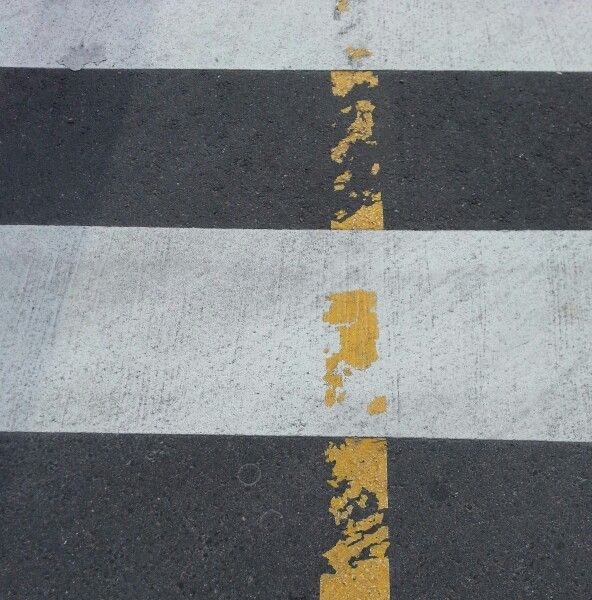 Zebrastreifen und Linie