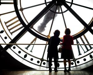 Bild: Riesige Uhr